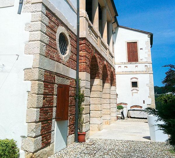 Villa Gozzi facciata laterale